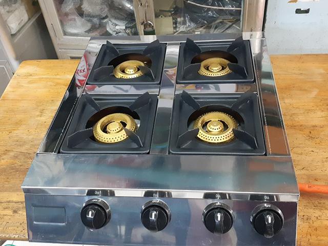 Thiết kế của bếp gas đổ bánh xèo 4 lò