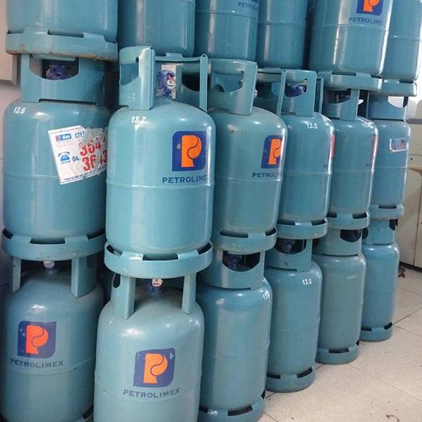 kiểm tra trọng lượng bình gas bằng cách cân kiểm tra vỏ bình gas khi lượng gas hết