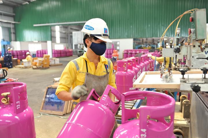 Cân kiểm tra khối lượng bình gas