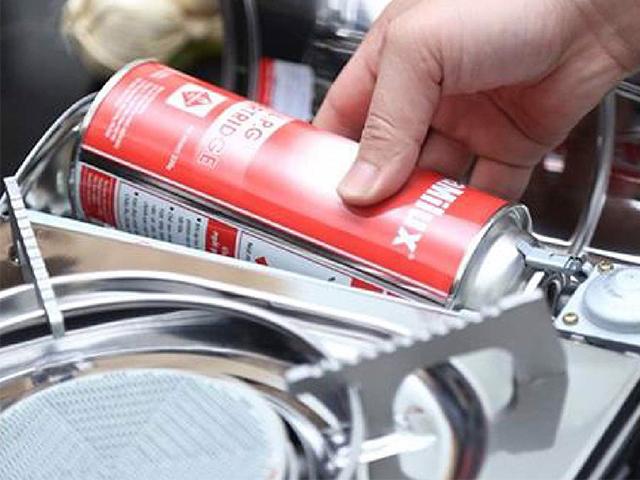 Alp81 đặt bình gas khớp với vị trí